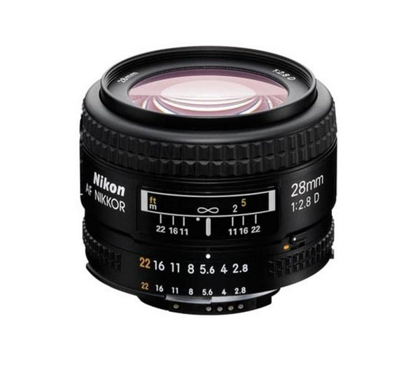 NIKON AF NIKKOR 28 mm f/2.8D Wide-Angle Prime Lens + DSLR Cleaning Kit