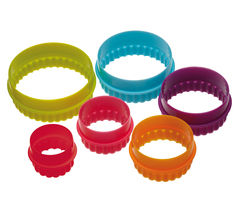 COLOURWORKS Round Cookie Cutters - 6 Pieces
