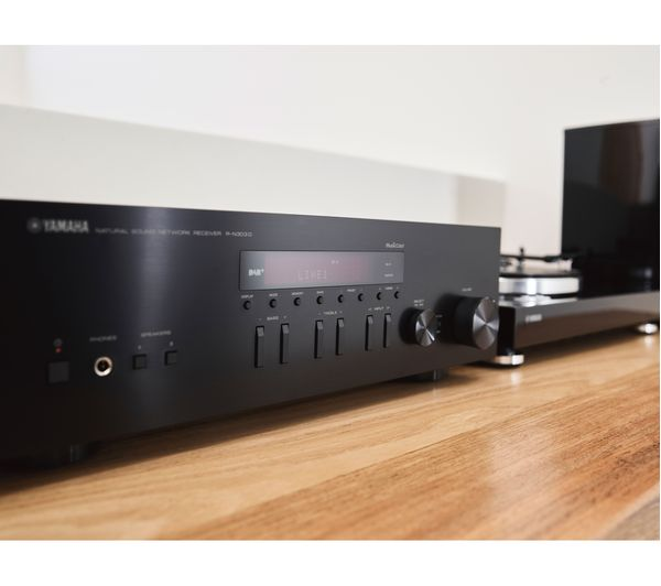 YAMAHA RN303D Stereo Receiver - Black