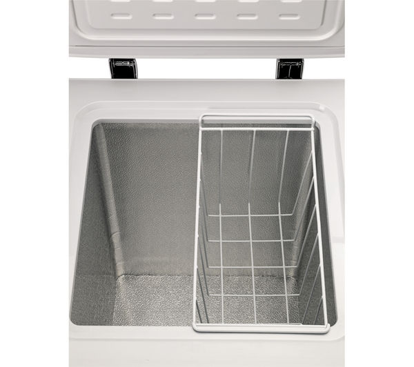 essentials c61cf13 chest freezer white